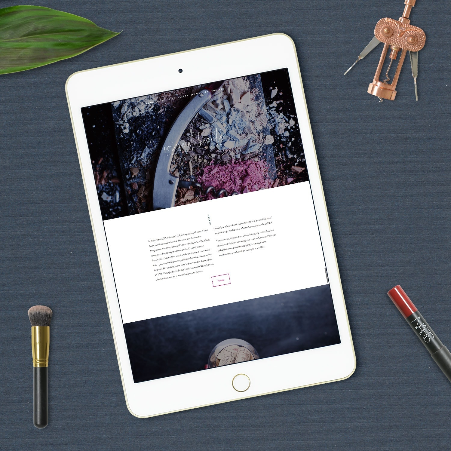 Wine et Beauté - A custom design for a client who's a makeup artist and sommelier. The homepage scroll explains her journey.